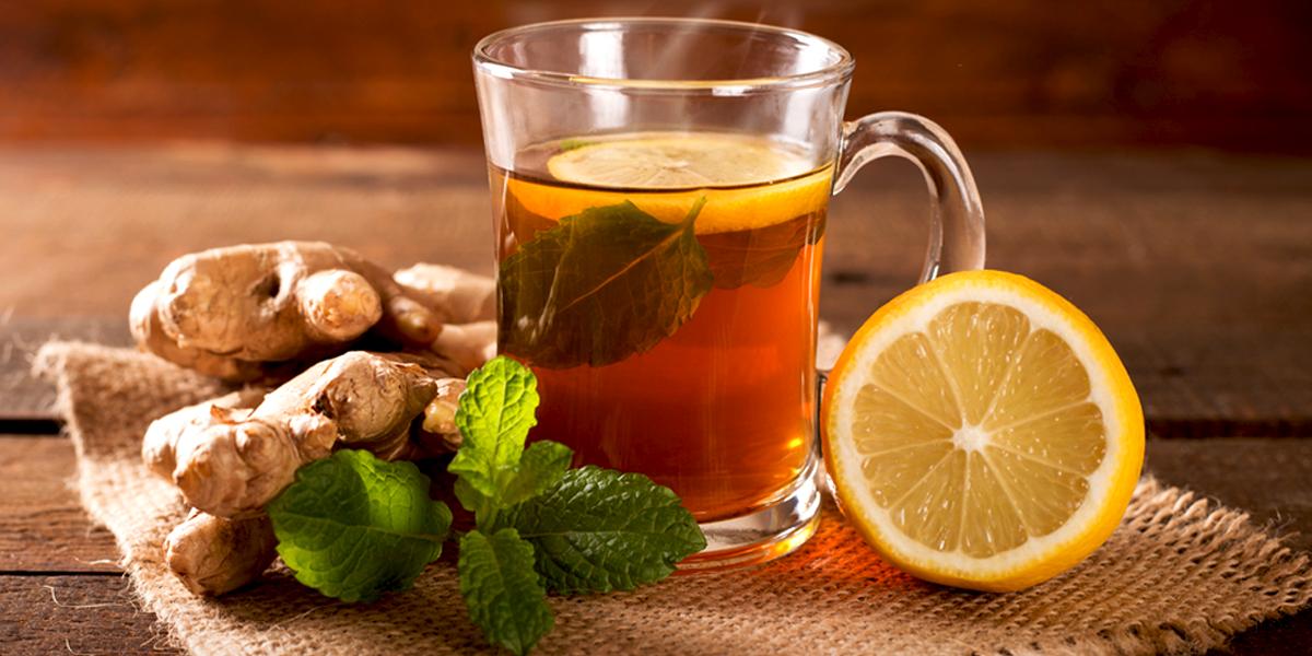La vitamine C en tant qu'antiviral présent dans le thé de racine de gingembre frais